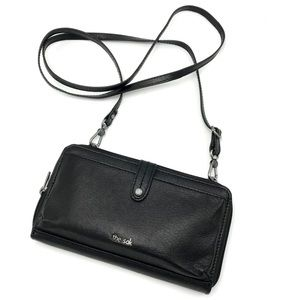 The Sak Leather Crossbody Smartphone Wallet Travel